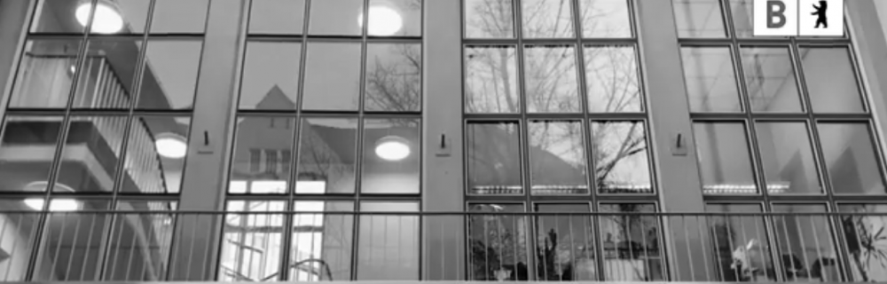 Frontansicht Haus der Bildung in Neukölln