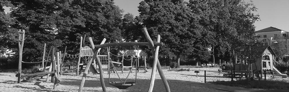 menschenleerer Spielplatz