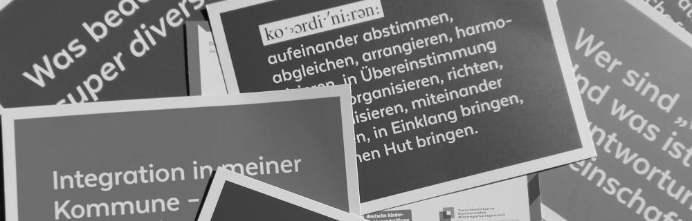 Fragen zum Thema Diversität auf Postkarten gedruckt